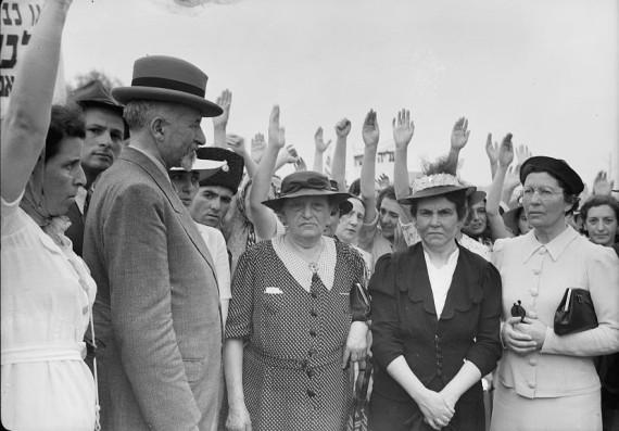 1939 women 2 trio